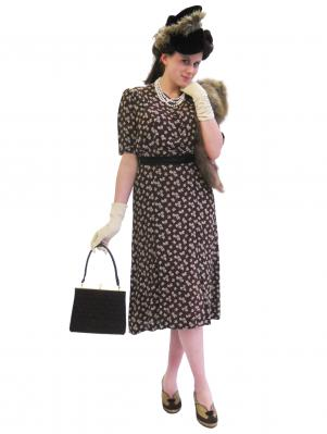 c104-1940s-day-lady