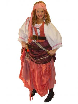 c210-pirate-wench
