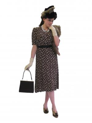 C104 1940s day lady cutout